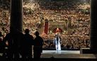 I volti dell'Opera. La grandiosità delle scenografie, i protagonisti dello spettacolo, il fascino discreto del backstage